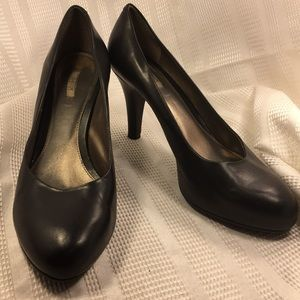 """Geox leather 3""""heel pump gently worn comfy all day"""